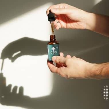 3x έλαια CBD και προϊόντα κάνναβης που θα μπορούσαν να βοηθήσουν στη θεραπεία του άγχους και του στρες