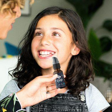 Λάδι CBD για παιδιά: 5 πράγματα που πρέπει να γνωρίζετε πριν χρησιμοποιήσετε το CBD για παιδιά